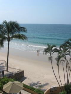 Yes, this is the beach and the view! We call it paradise..........