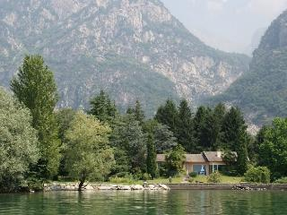 Lago Mezzola Retreat