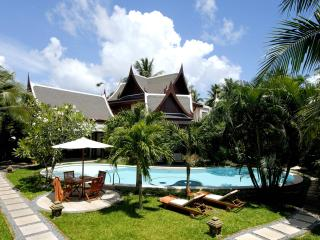 8 bedrooms villa next to Bangtao beach, with chef and full time staff