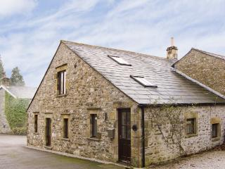 STEPPING STONES BARN, family friendly, luxury holiday cottage, with a garden in Stainforth , Ref 4431, Giggleswick