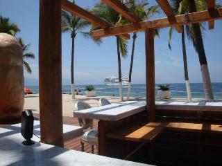 ICON .-802. Luxurious living in Puerto Vallarta.