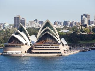 Luxury  Sydney Harbour View 4 bed Apartment, Kirribilli
