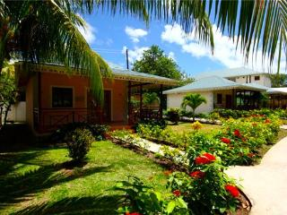 Bequia Beach Hotel - One Bed Villa - Bequia