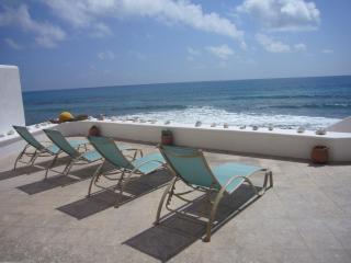 Overlooking Caribbean Sea (2)