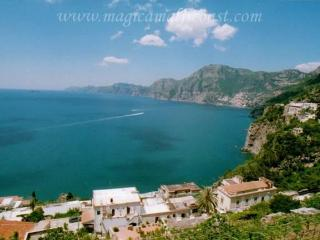 Casa Clementina- with huge terrace + view to Capri, Praiano