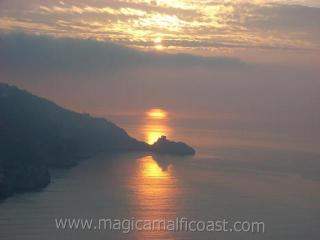 Casa Saveria -  terrace + spectacular sunrise-view, Praiano