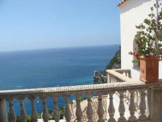 Villa Emma - in the heart of Positano - large seaview-terrace, parking