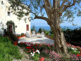 Villa Paradiso San Pietro - luxury seaview-villa with garden