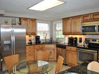 New Kitchen w/Granite counters @ Stainless steel appliances