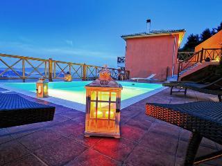 Io's pool