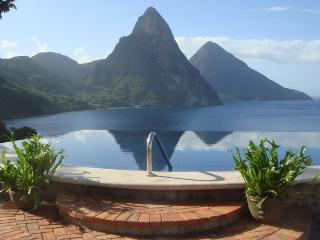 Caille Blanc Villa, Sleeps 14, Soufriere