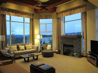 Luxurious Slopeside Penthouse - Woodrun Lodge, Whistler