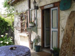 GRAPEVINE COTTAGE Romantic Retreat KALKAN Islamlar, Kalkan