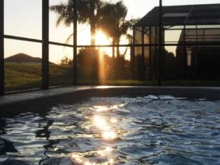 Disney Sunny South Facing Pool Free WiFI & Calls, Davenport