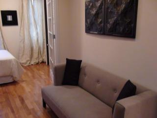 Cozy 2 Bedroom Apt. Manhattan East 20s