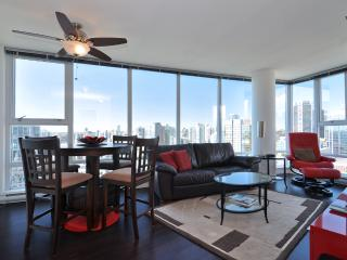 Downtown Vancouver 2 Bedroom Condo With Awesome Views of City and Mountains
