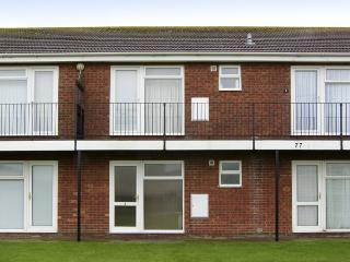 FLAT 3, family friendly in Hunstanton, Ref 4433