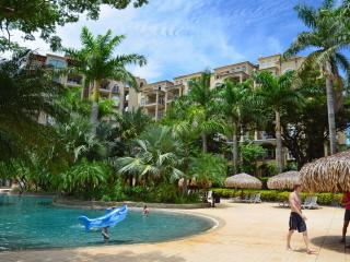 Beautiful Diria 3BR Condo - Tamarindo!