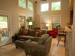NEW Construction 3/2 House in N.Central Austin :::