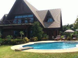 Magnificent Mountain View Retreat with Pool, Chiang Dao