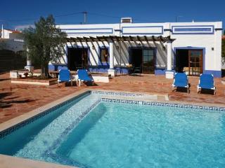 Wheelchair accessible cottage As Casinhas, Algarve, Boliqueime