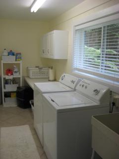 Hale Aloha Laundry Room