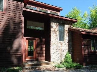 Beautifully Secluded Mountain Home, Canaan Valley