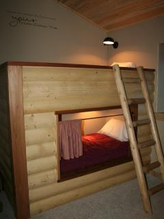 Loft bedroom 2 bunks