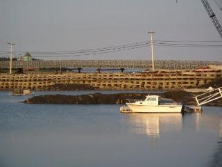 Famous Crib-stone bridge