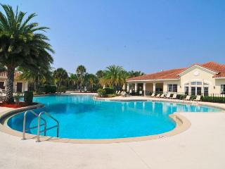 Executive Villa in Oakwater Resort - 2 miles from Disney!, Kissimmee