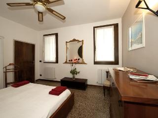 Double Bedroom (3)