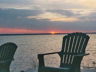 Lakeside Getaway on Black Lake
