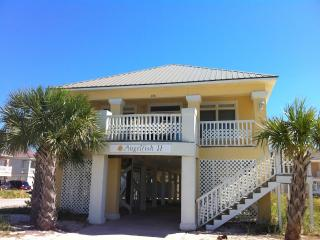 4BR/3.5BA Luxury home steps to Beach,Pools,Tennis,Wifi