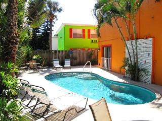 Siesta Key - 1BR Seaside Villas- Garden Apartment