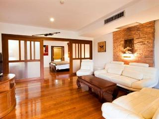 Nai Harn Beach, Phuket, Luxurious 2 Bedroom Condo