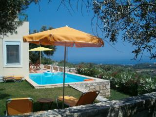 Peaceful villa with pool and magic view in Crete, Agia Paraskevi