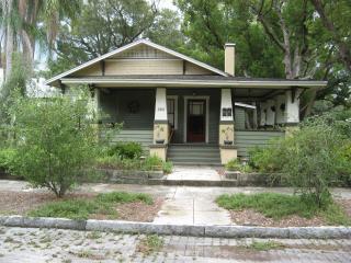 ErehwonRetreat 1923 Bungalow 2 bedroom, Tampa