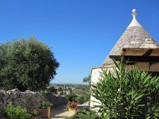 Trullo looking down drive