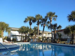 2br/2.5baTownhome steps to beach w/Pool, Wifi,Shop -Mid.Aug/Sep/Oct $50 Off Week