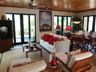 Casa Sereno Serenity by the Ocean in the Preserve, Tamarindo