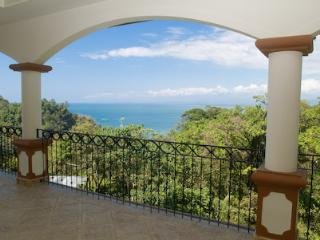 The Penthouse at Shana, Ocean view home, Parque Nacional Manuel Antonio