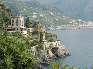 Dimora di mare, charming Villa, private sea access, Ravello