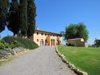 La Casetta, holiday villa with pool in Tuscany