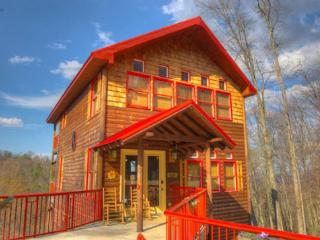 Minutes to Ski Lodge w/ hot tub and pool table, Gatlinburg