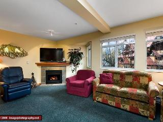 Stoney Creek Sunpath: Large Village Townhouse, Hot Tub, Pool, Whistler