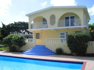 Casa Ladera Upstairs: Pool, View, Steps to Beach, Île de Vieques