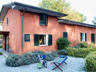 1 bedroom Villa in Ronchi, Massa, Italy : ref 2259050