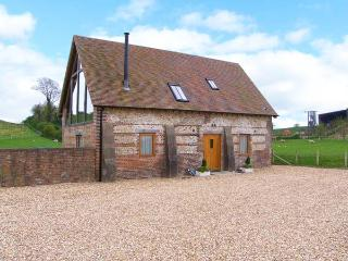SHEPHERD'S HUT, pet friendly, luxury holiday cottage, with a garden in Winterborne Whitechurch, Ref 5188
