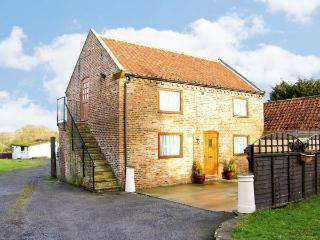 CROFT GRANARY, family friendly, country holiday cottage, with a garden in