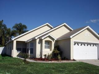 Pet friendly 5 Bedroom Disney Vacation Home near Golf Club, Kissimmee